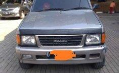 Isuzu Panther 2000 Jawa Barat dijual dengan harga termurah