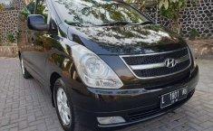 Hyundai H-1 2011 Jawa Timur dijual dengan harga termurah