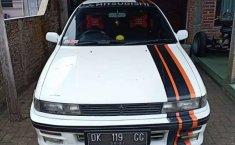 Jawa Timur, Mitsubishi Lancer 1990 kondisi terawat