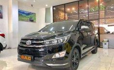 Mobil Toyota Venturer 2018 dijual, Jawa Timur