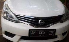 Mobil Nissan Grand Livina 2015 terbaik di Jawa Tengah