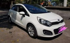 Kia Rio 2012 Bali dijual dengan harga termurah