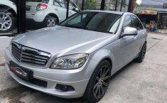 Bali, jual mobil Mercedes-Benz C-Class C200 2009 dengan harga terjangkau