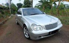 Dijual mobil bekas Mercedes-Benz C-Class C 240, Banten