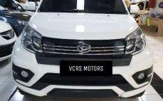 Mobil Daihatsu Terios 2015 TX terbaik di Jawa Timur