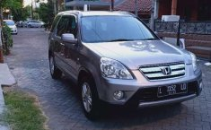 Mobil Honda CR-V 2005 2.4 i-VTEC terbaik di Jawa Timur