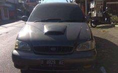 Mobil Kia Carnival 2001 terbaik di Jawa Timur