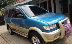 Mobil Isuzu Panther 2002 TOURING dijual, Banten