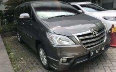 Dijual mobil bekas Toyota Kijang Innova V Luxury, Riau