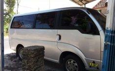 Dijual mobil bekas Kia Travello , Jawa Timur