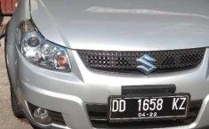 Mobil Suzuki SX4 2012 X-Over terbaik di Sulawesi Selatan