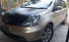 DIY Yogyakarta, Nissan Grand Livina XV 2007 kondisi terawat