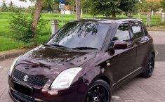 Bali, jual mobil Suzuki Swift ST 2010 dengan harga terjangkau