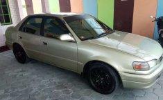 Mobil Toyota Corolla 1998 1.6 terbaik di Jawa Timur