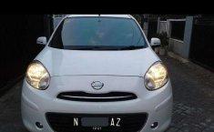 Mobil Nissan March 2013 terbaik di Jawa Timur