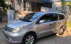 Mobil Nissan Grand Livina 2010 XV dijual, Jawa Timur