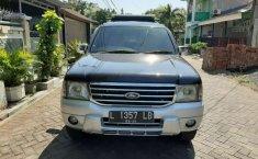 Ford Everest 2005 Jawa Timur dijual dengan harga termurah