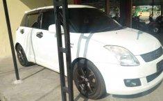 Suzuki Swift 2010 Jawa Timur dijual dengan harga termurah