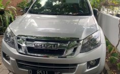 Mobil Isuzu D-Max 2015 terbaik di Jawa Barat