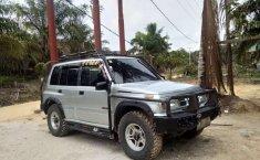Mobil Suzuki Escudo 2001 dijual, Riau