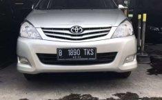 Jual Toyota Kijang Innova E 2.0 2011 harga murah di DKI Jakarta