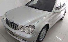 Jual mobil bekas murah Mercedes-Benz C-Class C200 2002 di DIY Yogyakarta