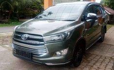 Sumatra Barat, Toyota Venturer 2018 kondisi terawat