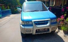 Jual mobil Isuzu Panther TOURING 2002 bekas di Jawa Tengah