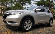 Mobil Honda HR-V E CVT 2015,terawat di Banten