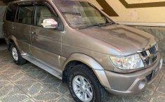 Dijual mobil bekas Isuzu Panther TOURING, Jawa Timur