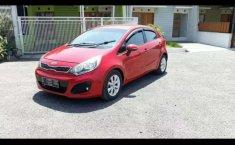 Jawa Barat, jual mobil Kia Rio 2012 dengan harga terjangkau