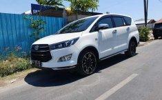 Mobil Toyota Venturer 2017 dijual, DIY Yogyakarta