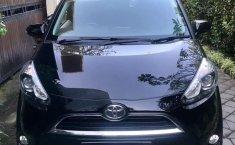 Mobil Toyota Sienta 2018 V terbaik di Bali