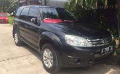 Mobil Ford Escape 2008 Limited terbaik di Banten