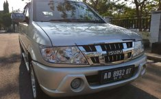 Isuzu Panther 2012 Jawa Tengah dijual dengan harga termurah