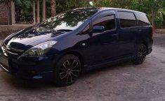 Jawa Timur, Toyota Wish 1.8 MPV 2004 kondisi terawat