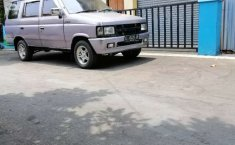 Isuzu Panther 2000 Jawa Tengah dijual dengan harga termurah