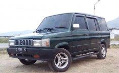Jawa Barat, Toyota Kijang 1990 kondisi terawat