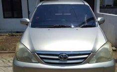 Mobil Daihatsu Xenia 2004 Xi terbaik di Jawa Timur
