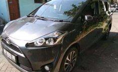 Jual mobil bekas murah Toyota Sienta V 2018 di Jawa Timur