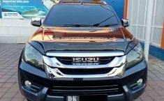 Mobil Isuzu MU-X 2016 terbaik di Bali