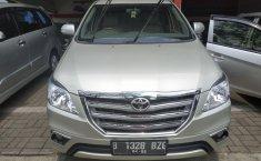 Jual mobil Toyota Kijang Innova V 2012 bekas di Jawa Barat