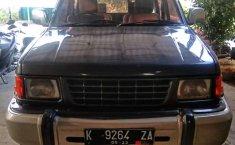 Mobil Isuzu Panther 1998 terbaik di Jawa Tengah