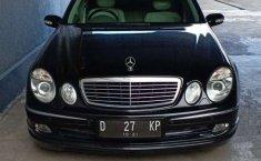 Jual mobil bekas murah Mercedes-Benz E-Class E 240 2003 di Jawa Barat