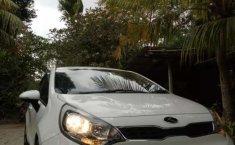 Mobil Kia Rio 2014 terbaik di Bali