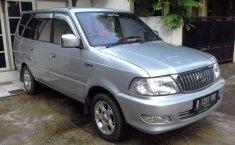 Mobil Toyota Kijang 2002 LGX terbaik di Jawa Barat