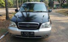 Mobil Kia Sedona 2005 terbaik di Banten