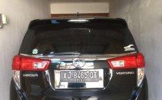 Jawa Tengah, Toyota Venturer 2017 kondisi terawat
