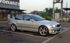 Mobil BMW 3 Series 318i 2003 terbaik di DKI Jakarta