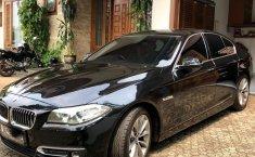Jual mobil BMW 5 Series 520i LCi 2015 bekas di DKI Jakarta